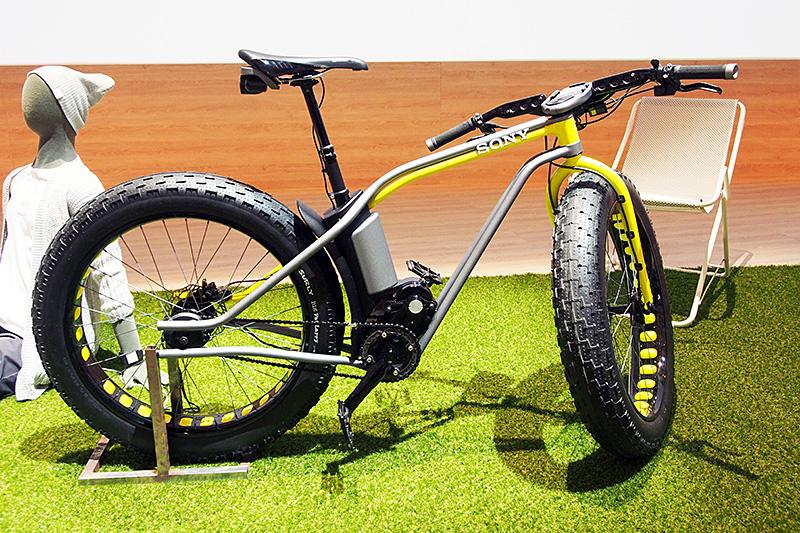 コンセプト展示された「Xperia Bike」