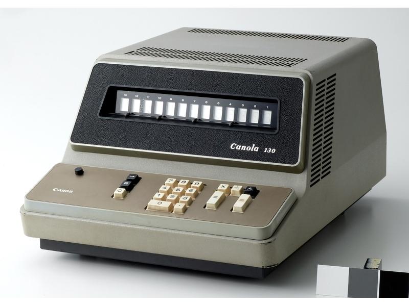 キヤノン初の電卓で、世界初のテンキー付き電卓でもある「キヤノーラ130」
