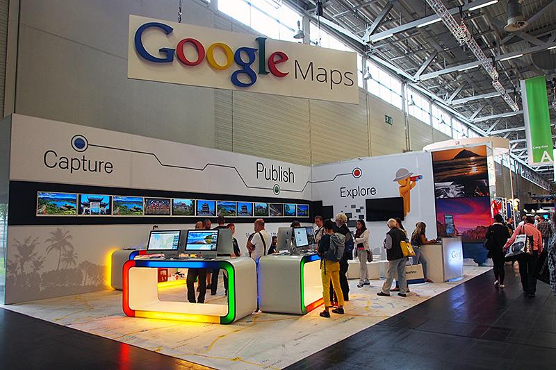Photokineへの出展を行なったGoogle。Google Mapsを紹介して、写真に付いたジオタグ情報の活用や、マップ上からの写真検索などをデモンストレーションしている
