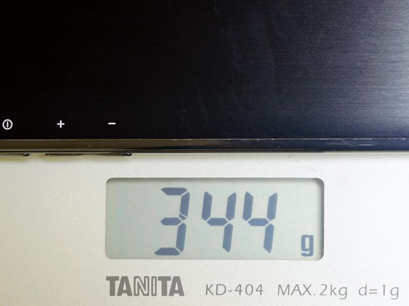 重量は実測で344gと8型Windowsタブレットとしては軽量級だ