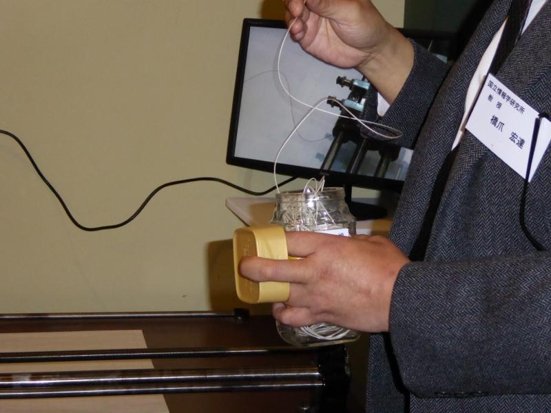 琴の糸が用いられている