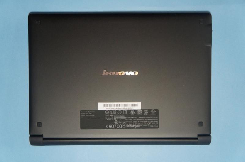 BluetoothキーボードカバーをYoga Tablet 2 Windowsの液晶面に取り付けたところ