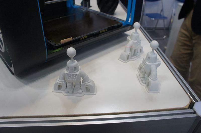 こちらもCEL ROBOXの出力例。最小積層ピッチは0.02mmと細かい。これは0.05mmピッチで積層したもの