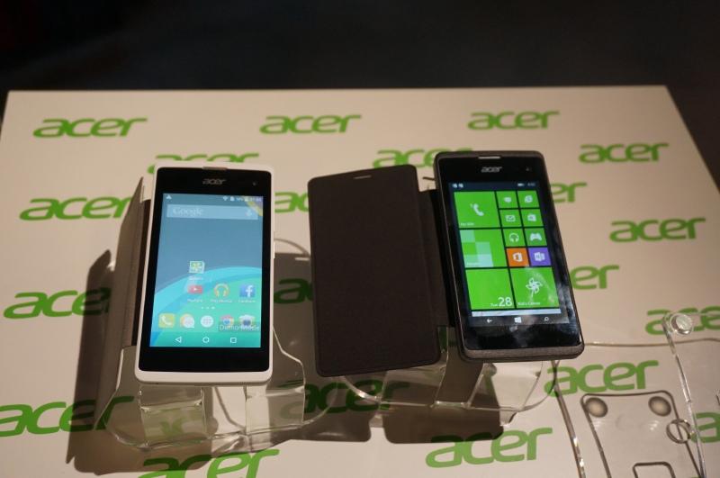 左がAndroid版のZ220、右がWindows版のM220。ハードウェアはほぼ同じであることが分かる