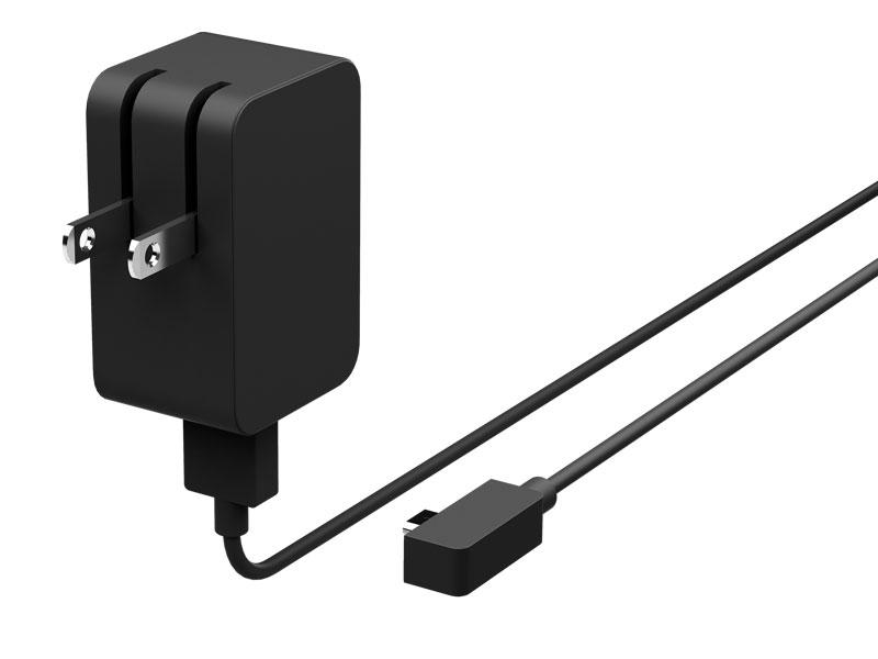 ACアダプタは専用コネクタから、Micro USBに変更された。充電速度は遅くなるが、一般的なUSB用ACアダプタも利用できるはずで、スマートフォンなどと共通化できるのは嬉しいメリット