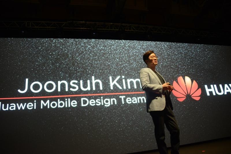 デザインチーム担当のJoonsu Kim氏がクラフトマンシップデザインの概要を解説