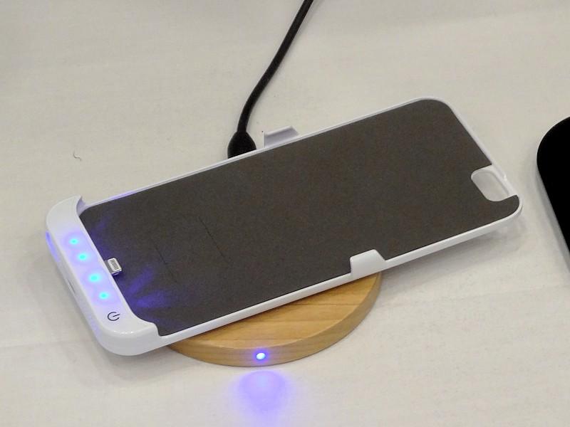 iPhone用無線給電ケース