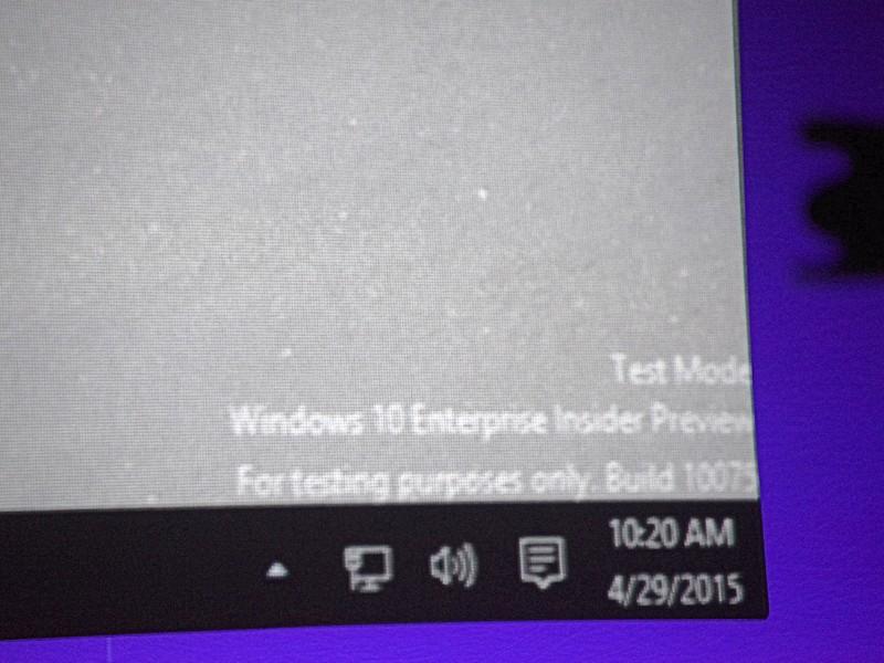 デモで使われていたWindows 10のビルドは10075。10071も見かけた
