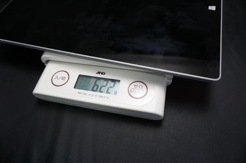 本体の重量は実測値で622gだった