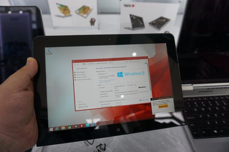 展示されていたサンプルにはCPUはCherry TrailのES品が搭載されていた。OSもWindows 8.1 Proだったが、製品版ではWindows 10になる