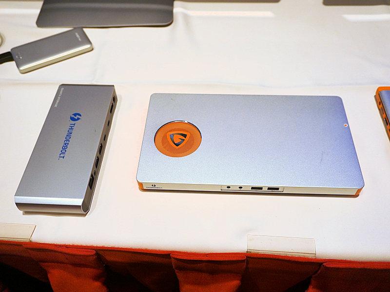 Thunderbolt 3に対応したドッキングステーションの例。USB PDが利用できるようになるので、USB Type-Cケーブル1本で電力も、PCI Expressも、全てが接続できるのはThunderbolt 3のメリットとなる