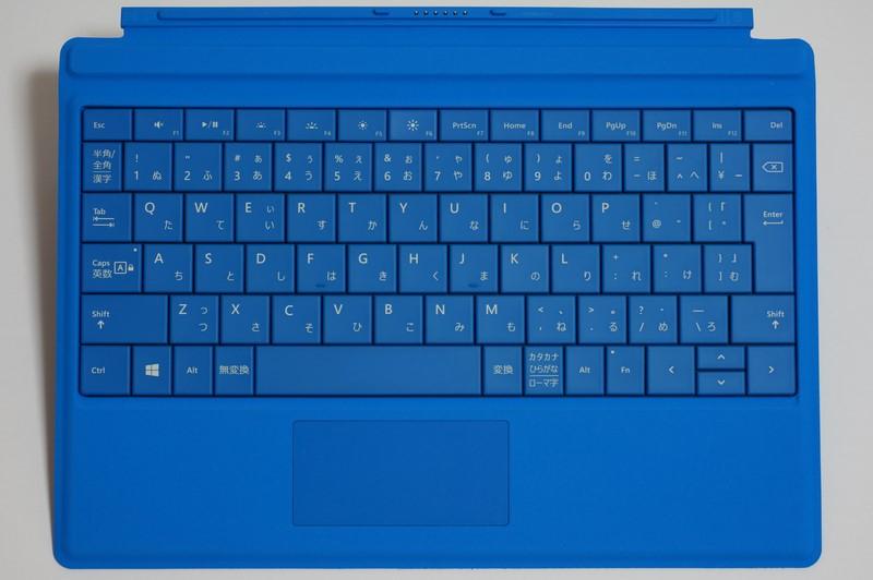 Surface 3用のType Cover。268×188×5mm(同)で、キーピッチは実測約18mm