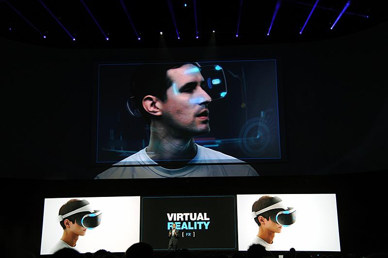 2014年も展示ブースで体験することができた「Morpheus」。テクノロジーデモが主体だった2014年から、ゲームとしての体裁を整えたものが今年は体験できる