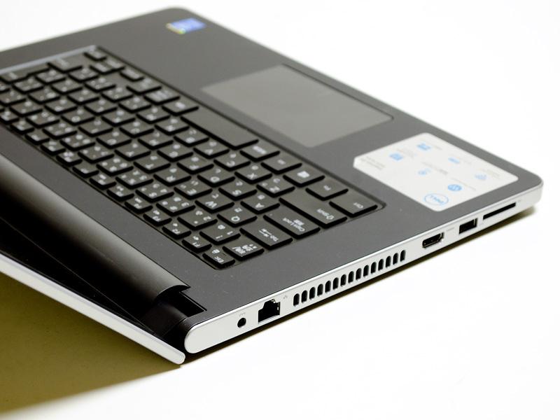 左側面。電源入力、Ethernet、HDMI、USB 3.0、メディアカードリーダ