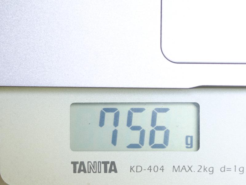 キーボードは実測で756g