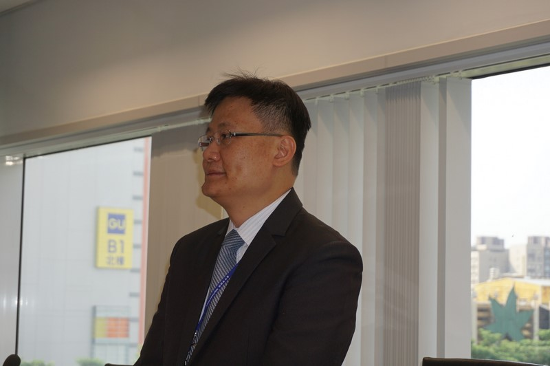 台中市の産業振興策について説明する台中市政府経済発展局副局長イーアン・リー氏