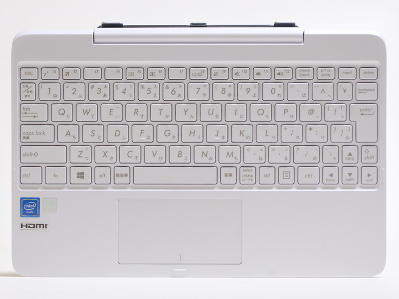 アイソレーションタイプの87キー日本語キーボード。上にシステムコネクタがあり、ブロック全体で回転する