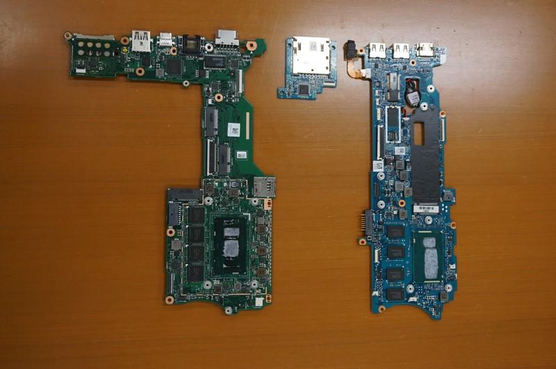 VAIO Pro 11(右)と基板サイズを比較しているところ
