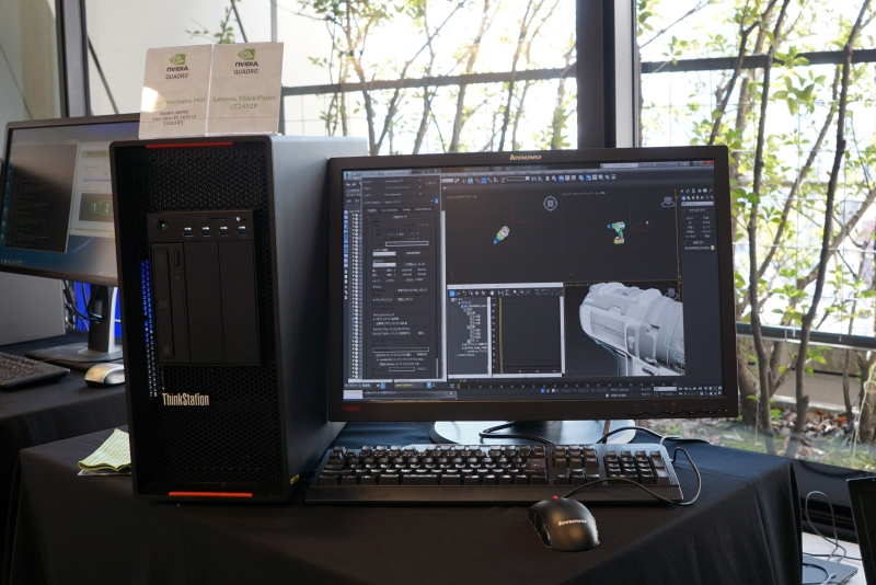 LenovoのThinkVision LT2452P。こちらもQuadro M6000を搭載