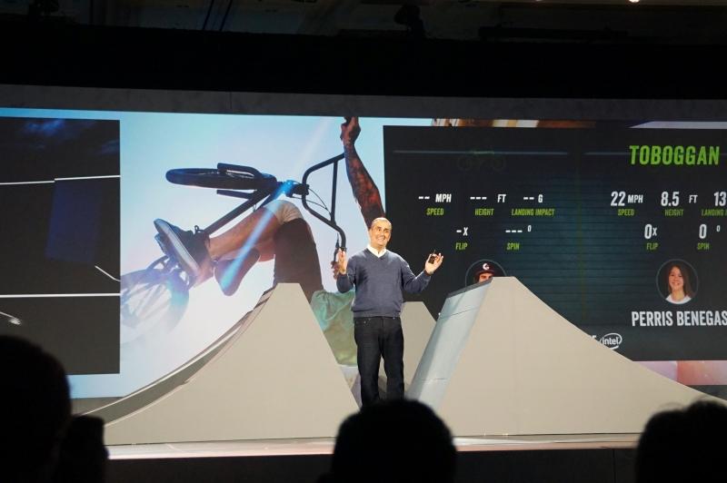 BMXバイクのデータがリアルタイムで収集され、画面に表示される