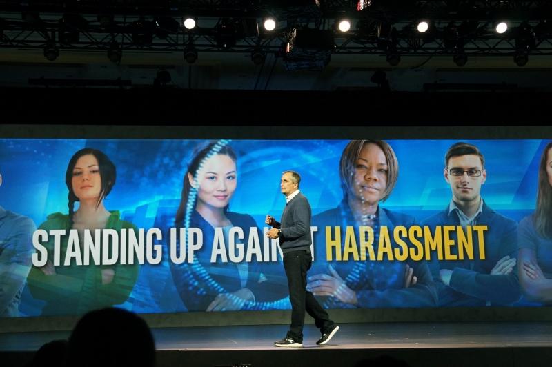今年は新しくオンラインでの嫌がらせ行為防止への取り組みを進める