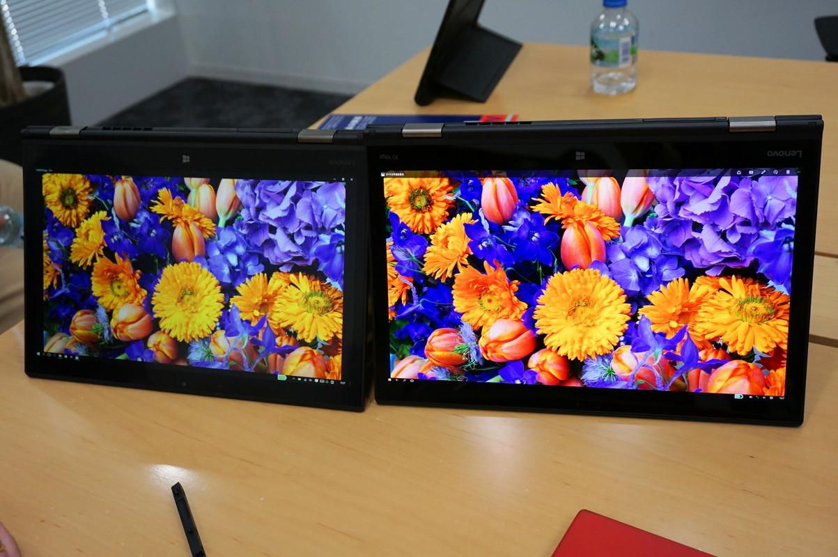 ThinkPad X1 YogaのIPS液晶モデル(左)とOLEDモデル(右)との比較。OLEDの方が鮮やかな発色であることが写真でもわかるが、眼で見るともっと違いがある