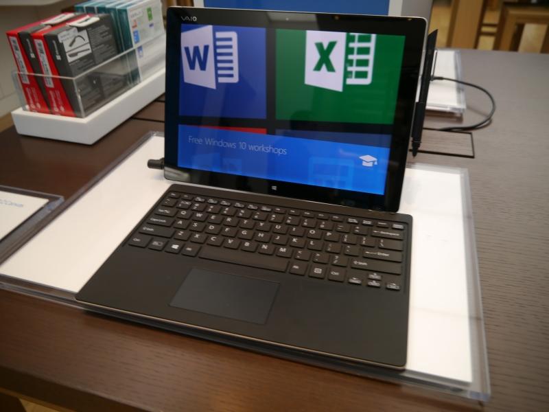 米ニューヨークのマイクロソフトストアで展示されていたVAIO Z Canvas