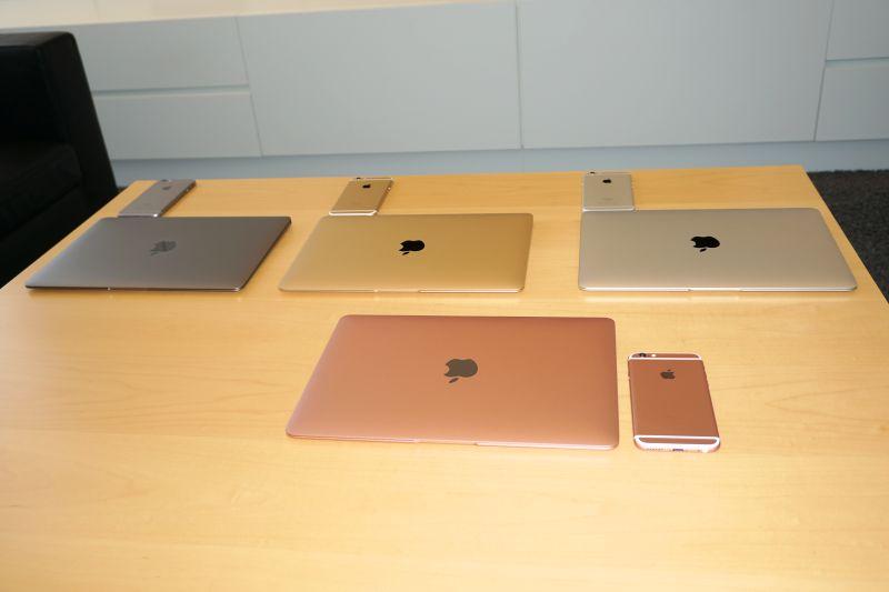 スペースグレイ、ゴールド、シルバー、ローズゴールドの4色をiPhone 6s Plusとセットで