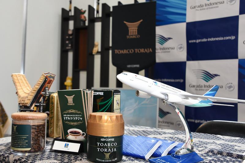 夏期スケジュールの関空発着便で使用しているエアバス A330型機のモデルプレーンも展示