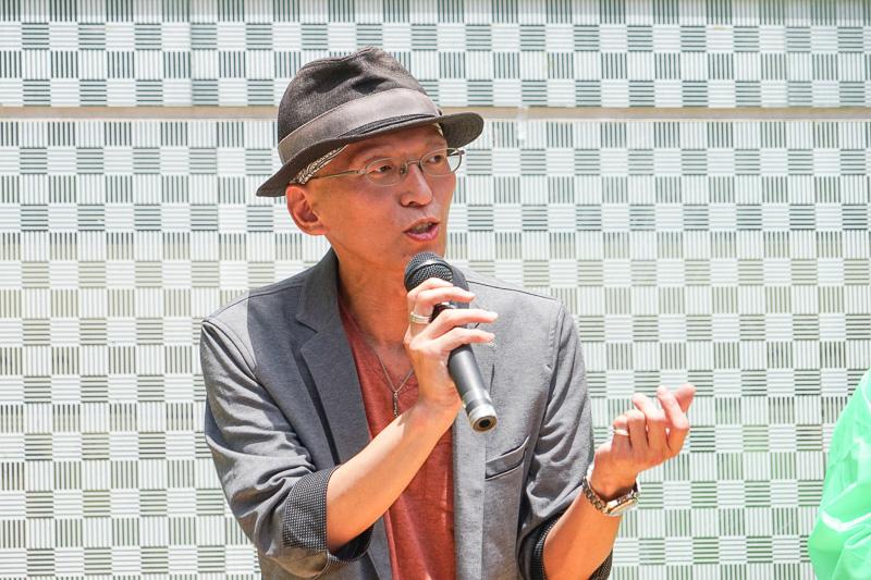 軽快なトークで司会をする広島県 空港振興課 主査 小河淳一氏