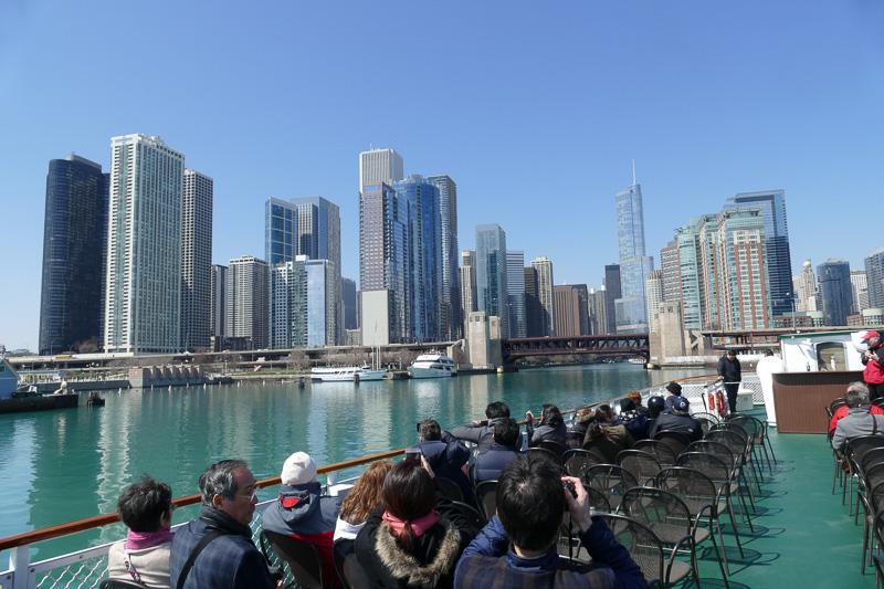 ミシガン湖から眺めるシカゴシティ
