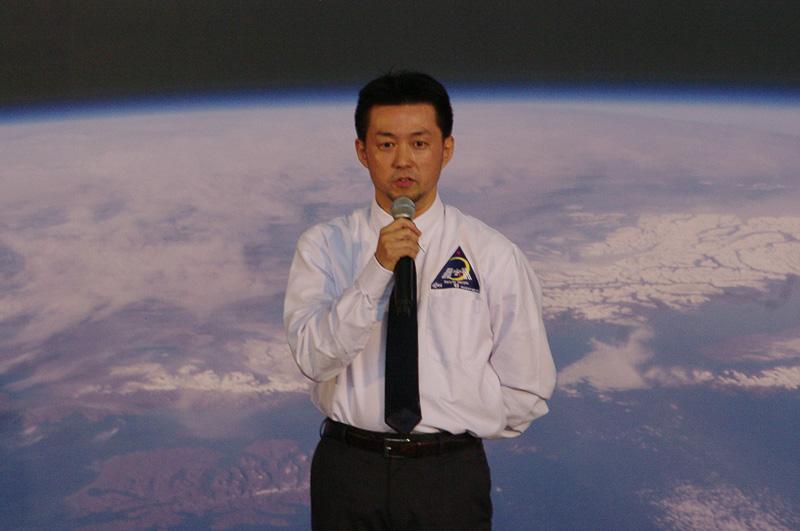 宇宙教室を担当したJAXAの西川岳克フライトディレクタ