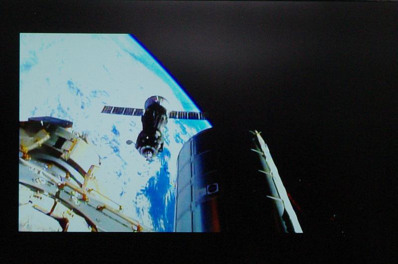 宇宙教室ではソユーズ宇宙船のドッキングの映像も紹介された