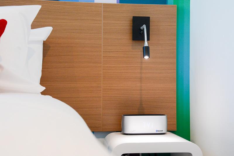 Bluetooth&USB接続の目覚まし機能付きスピーカー