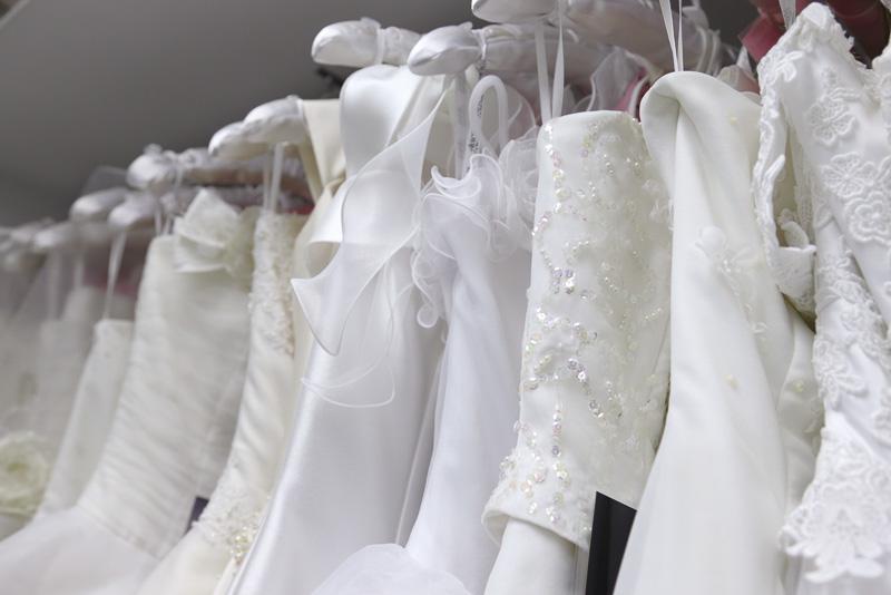 ワタベウェディングのゴールドコースト店。挙式前にもフィッティングを行なえるよう、日本で予約可能なドレスなどが揃えられている