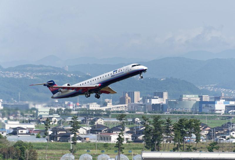7月1日、民営化後の1番便が仙台空港を飛び立った