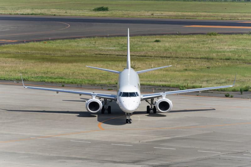 無事エプロンへと到着。搭乗者は39人とのこと