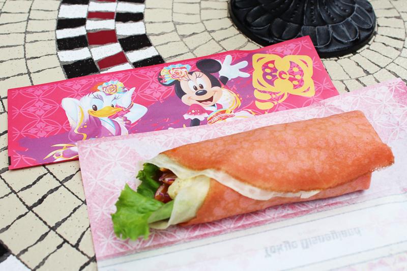 「チキン&ラタトゥイユの冷製クレープ(カレー風味)」(520円)