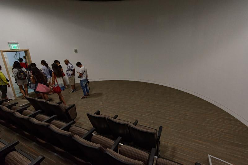 2階の常設展示スペースのスタート地点。プロジェクターでグアムの歴史解説のオープニングとなるような映像が流れる予定