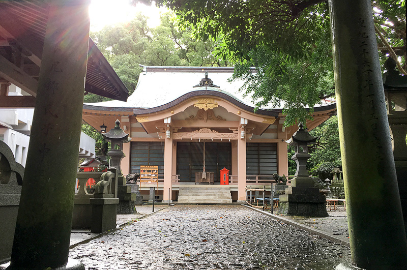 奈良尾神社の本殿