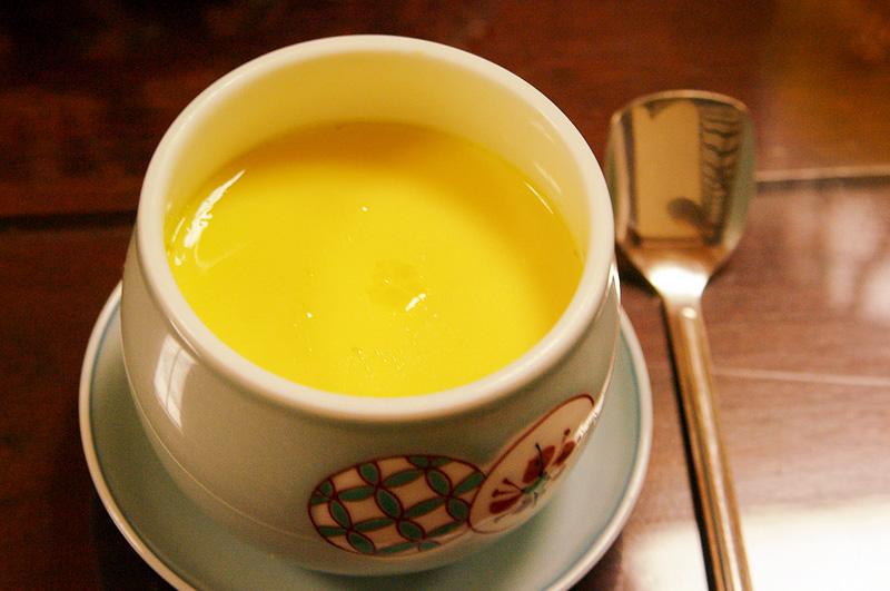 茶碗蒸しも出汁の風味豊かでなめらか