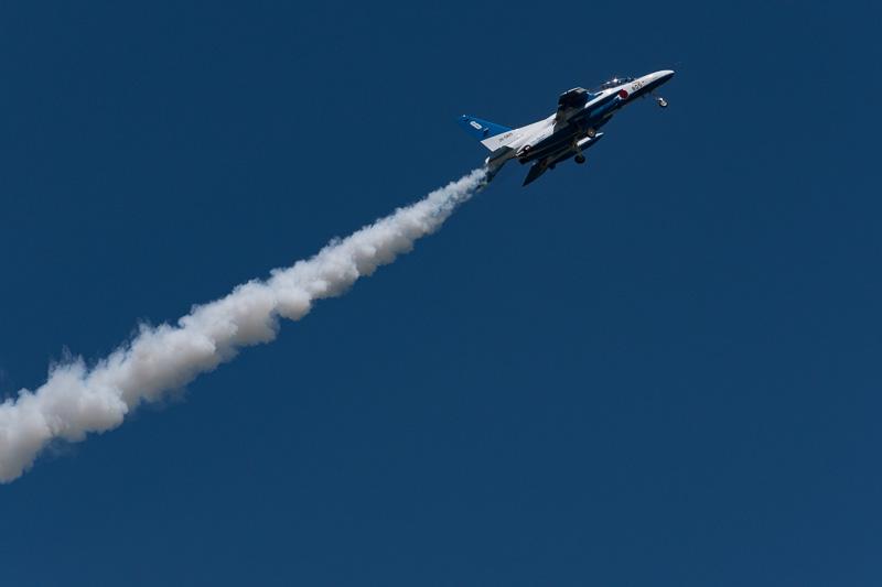 途中演技の中断はあったものの、およそ30分にわたってアクロバット飛行が行なわれていた