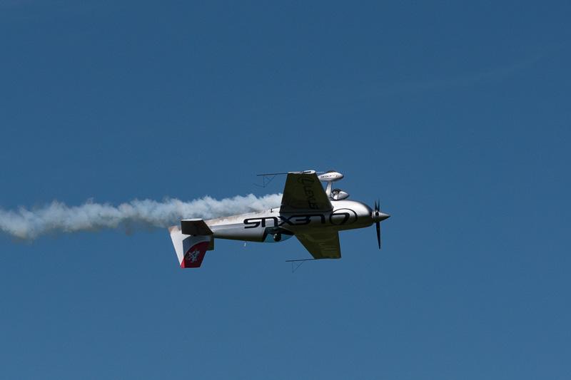 レッドブル・エアレースのパイロットである室屋義秀選手の演技