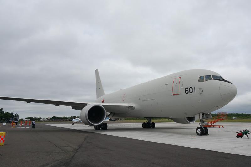 ボーイング 767型機をベースとした空中給油機KC-767は地上展示が行なわれる予定