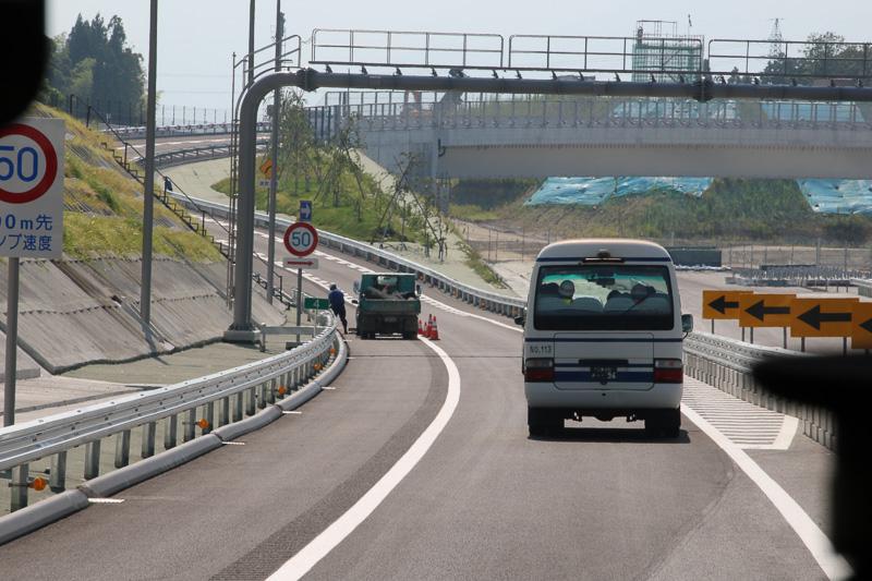 新四日市JCTの直進方向は2018年度開通予定。まだ、道路の路盤もできていない