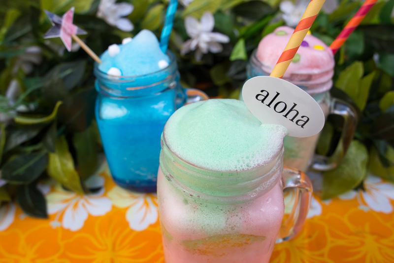 「レインボースムージー」はハワイを象徴するカラーに合わせた6種類のフレーバーを組み合わせて楽しめる