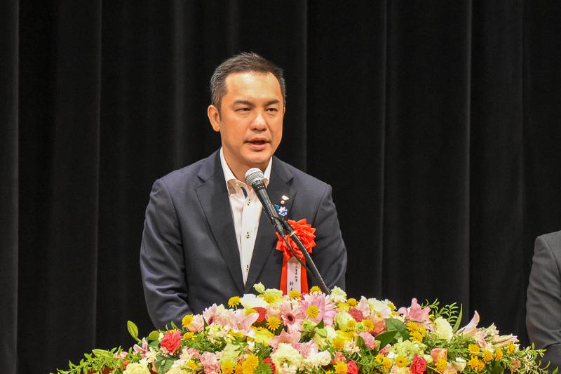 三重県知事 鈴木英敬氏