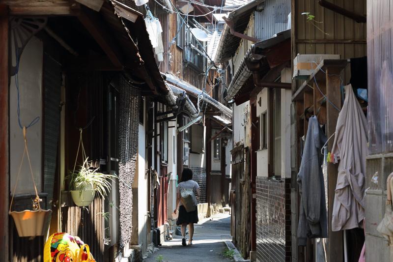 生活感溢れる狭い路地の佇まいは明治時代とあまり変わっていないとのことです
