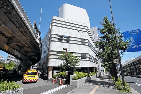 首都高、小学生が記者となって首都高速の裏側を取材する見学会を開催 最初の見学場所となった交通管制室がある首都高東京西局