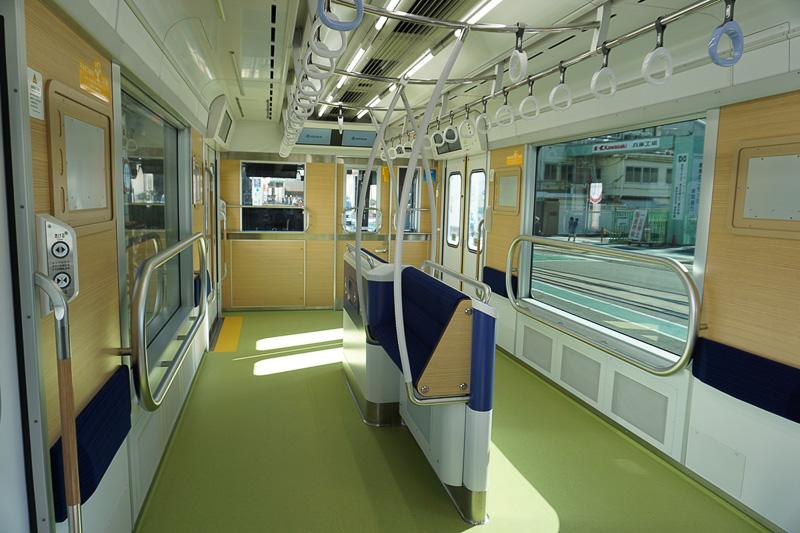 車いす、ベビーカー、大きな荷物を持つ乗客に対応したスペース「パートナーゾーン」